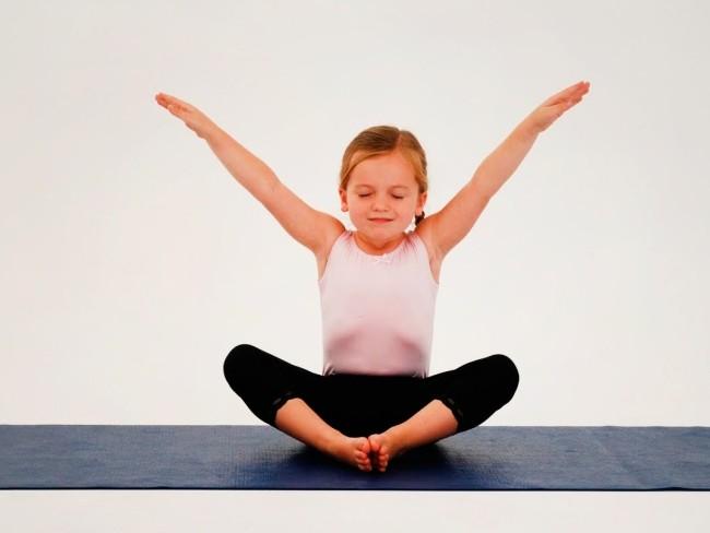 Упражнения из йоги для грудного отдела позвоночника